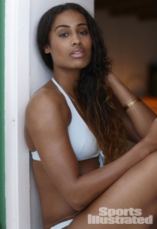Skylar-Diggins-Sports-Illustrated-Swimsuit-11-650x948