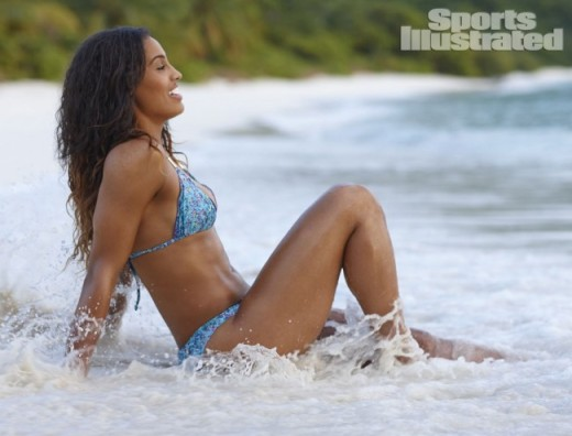 Skylar-Diggins-Sports-Illustrated-Swimsuit-12-650x496
